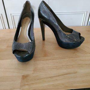 Gianni Bini Snake Grayish Blue platform heel